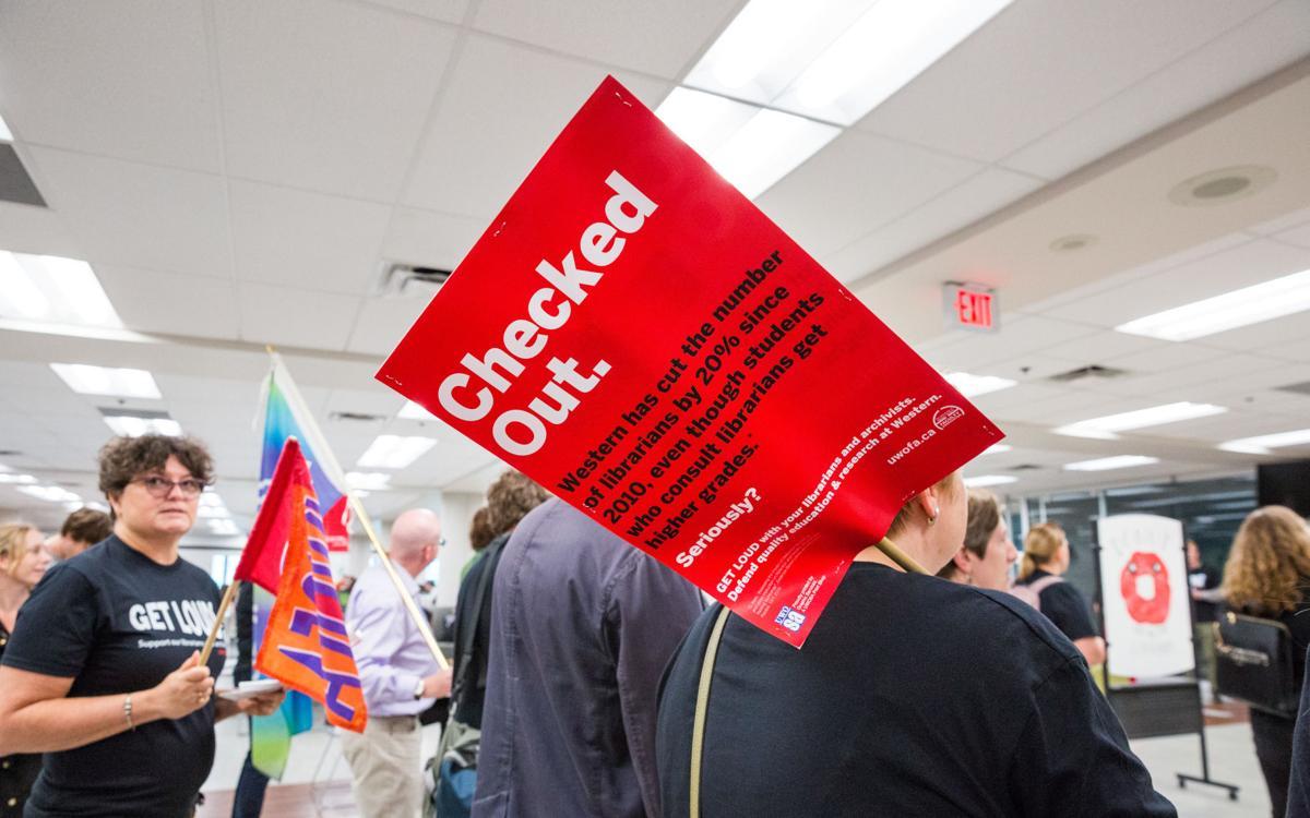 UWOFA Librarian Protest 3