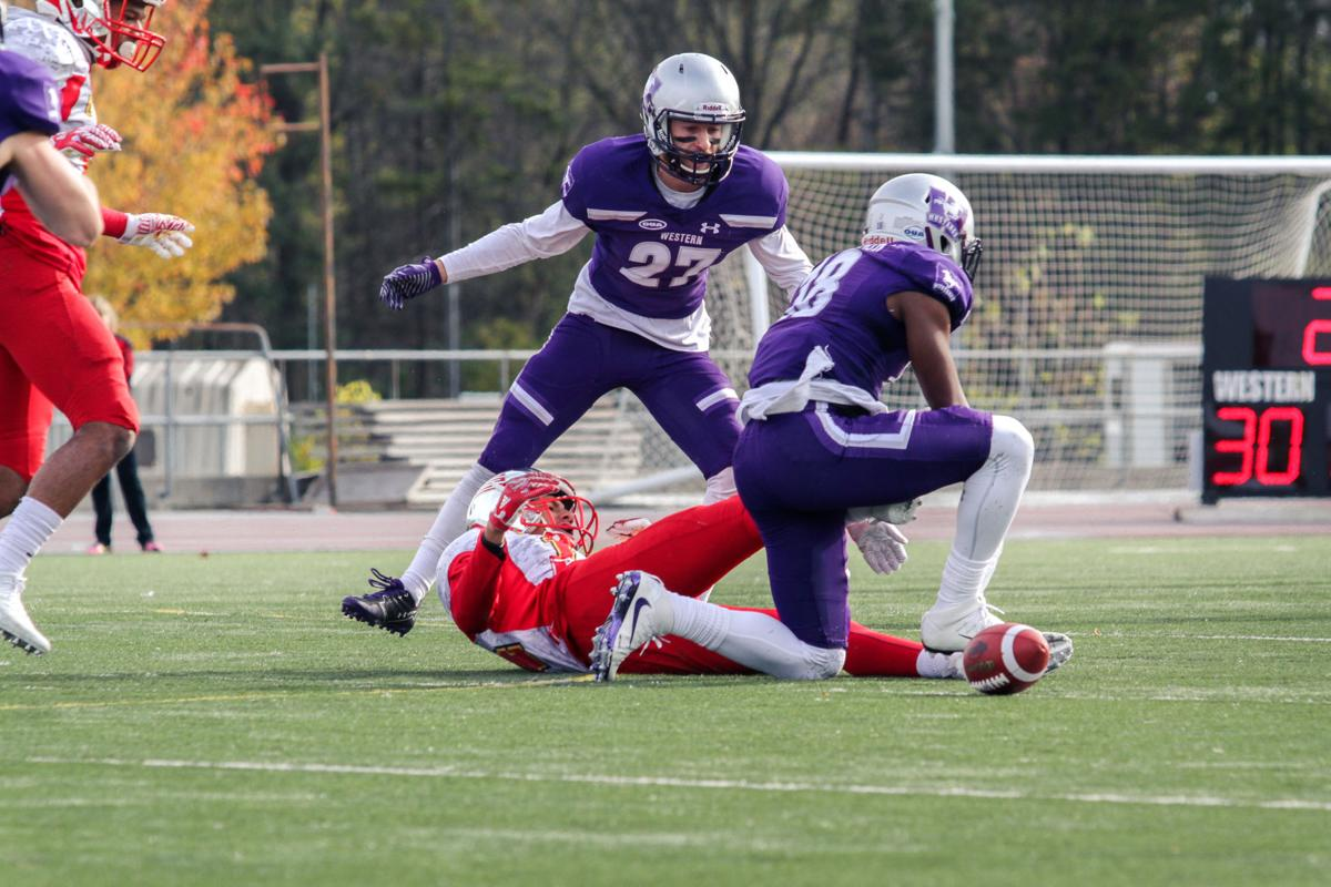 Football Mustangs vs Guelph - Liam McInnis-2.jpg
