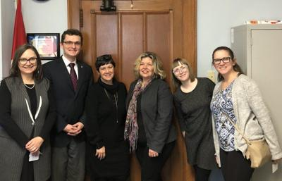 Attachment leave advocates in Ottawa (Photo)