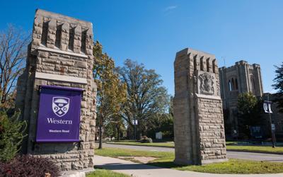 Alumni Circle front gates (Photo)