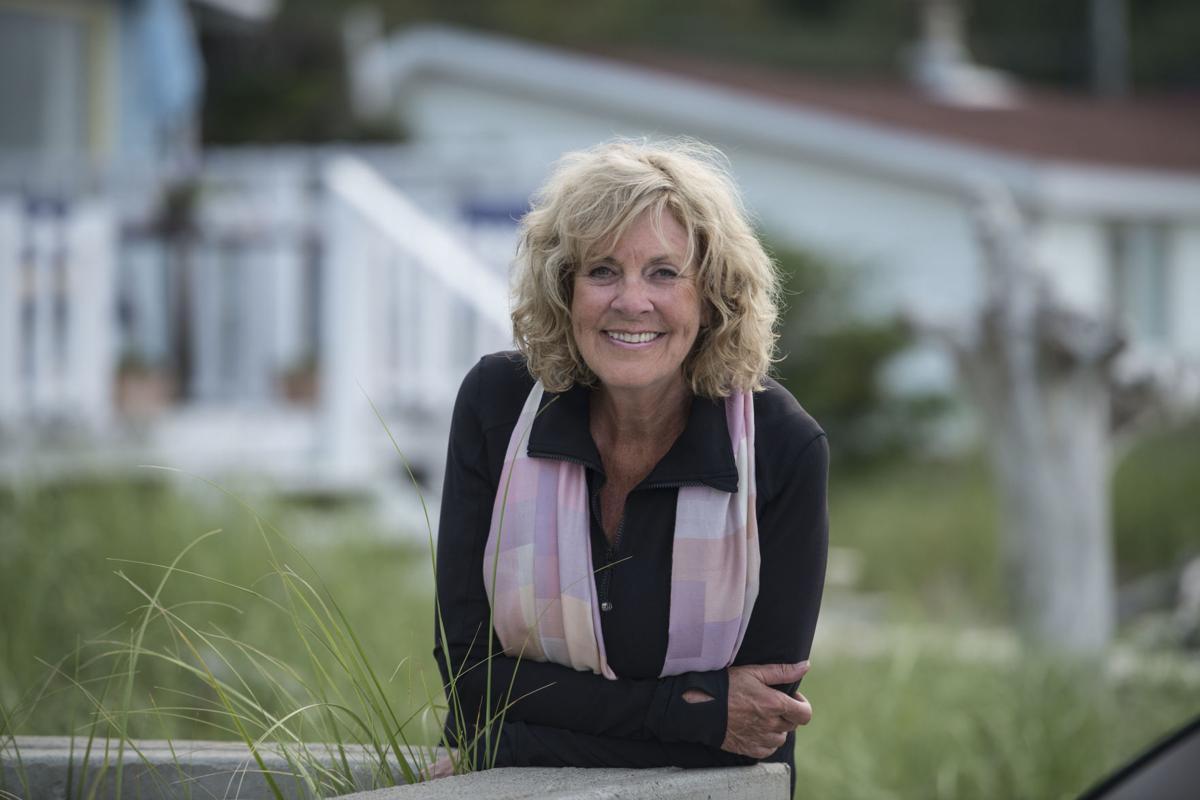 Sally Armstrong (Photo 1)