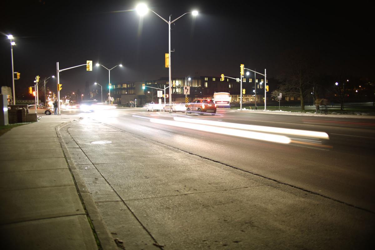 western_road_night_cars