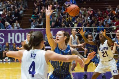 Women's basketball vs. Laurentian