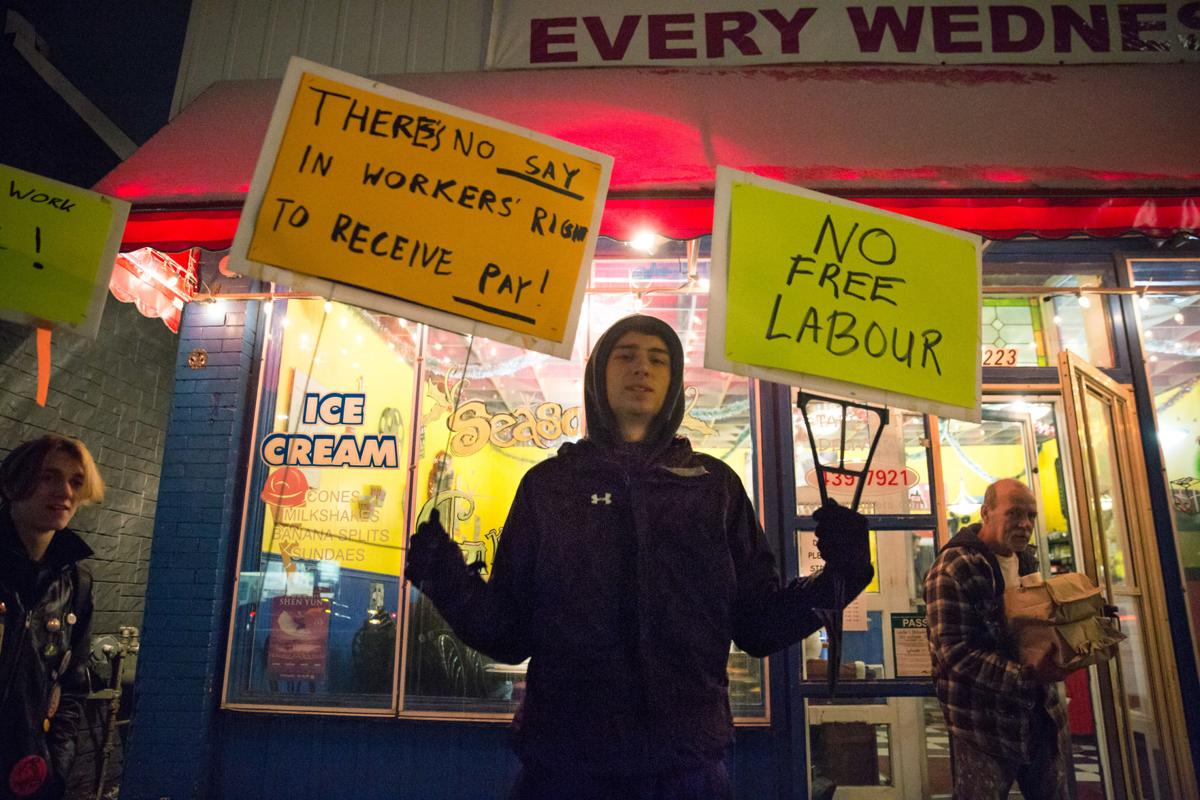 Oliver Taylor protests Walker's (Photo)