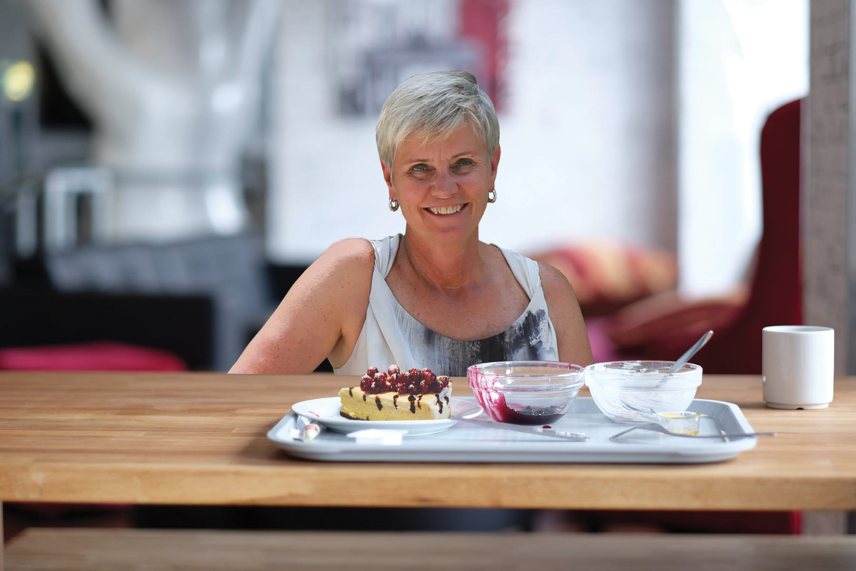 SPOOF: janice deakin ta cake