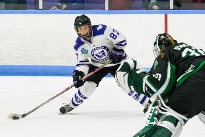 Women's Hockey Championship - Saturday March 17, 2018 4PM - Western vs Saskatchewan - Lucy Villeneuve