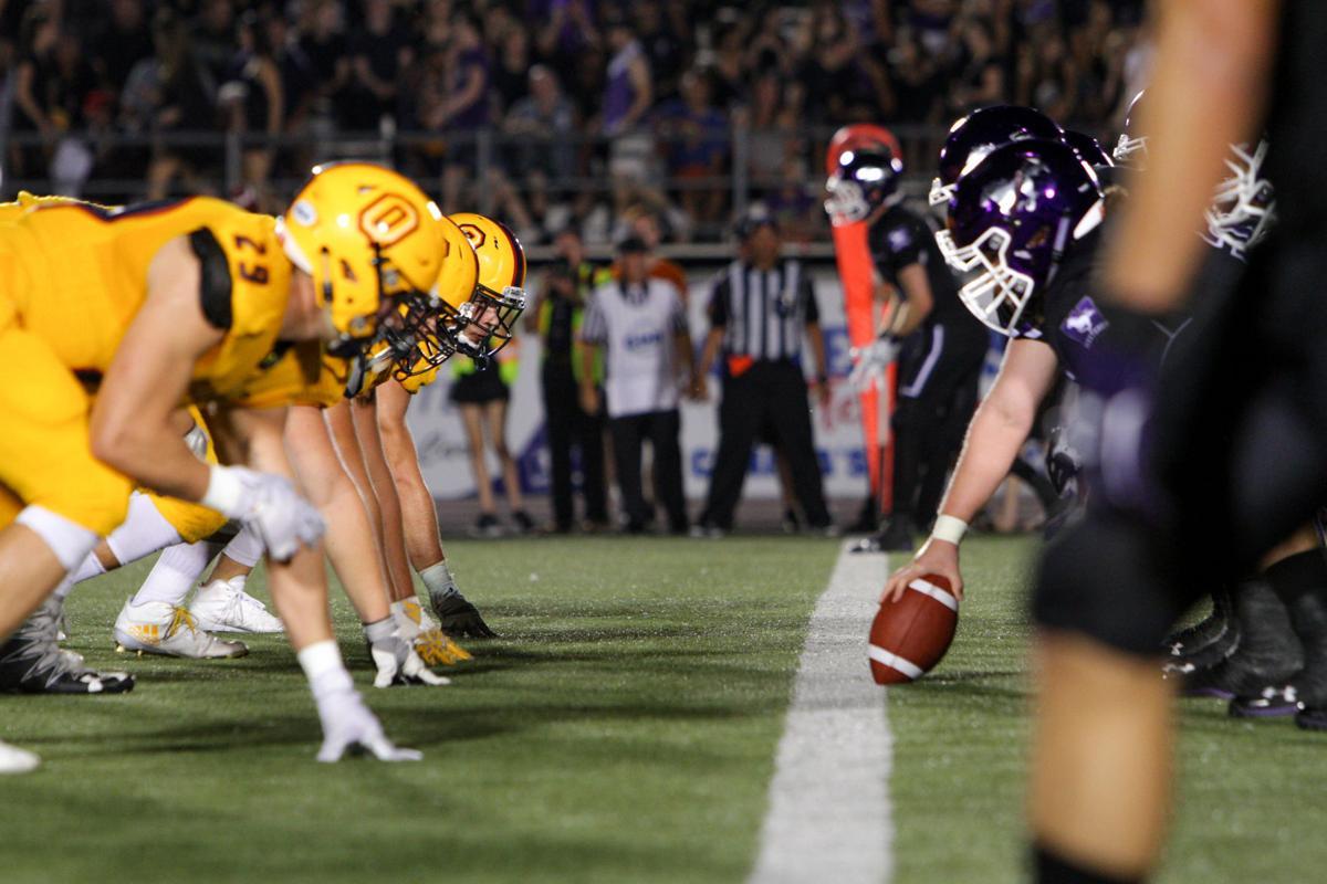 Football - Western vs Queens - Liam McInnis-11.jpg