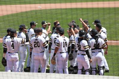 WMU Baseball Huddle