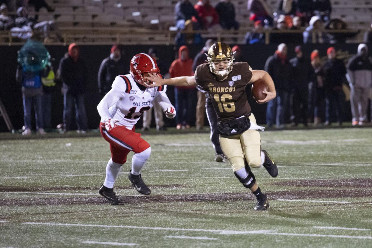 Bellamy, Wassink use ground game to outlast Ball State, 35-31