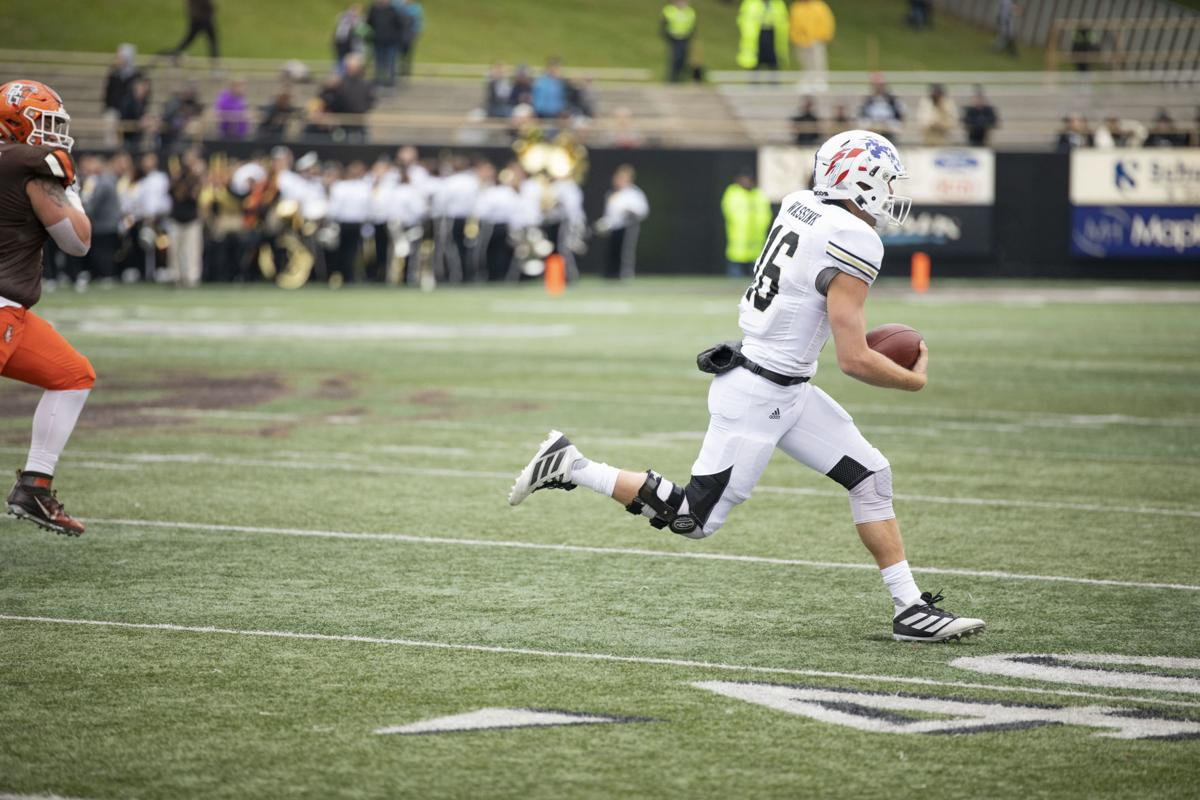 WMU cruises to 49-10 victory over Bowling Green
