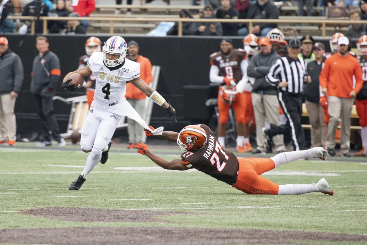 Patrick Lupro makes a key interception in second quarter of blowout win vs. Bowling Green