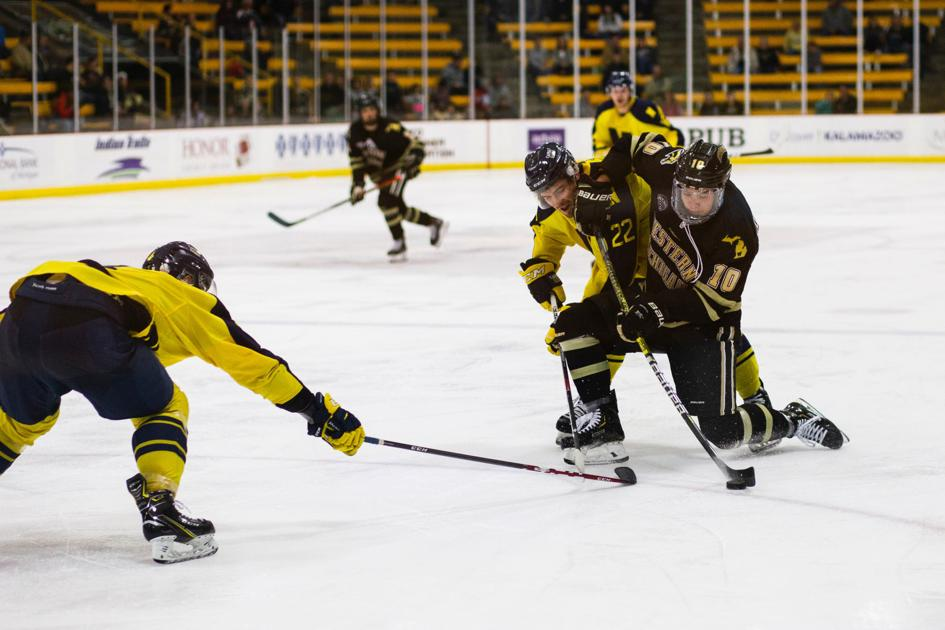 Hockey has promising start to season in Ice Breaker Tournament