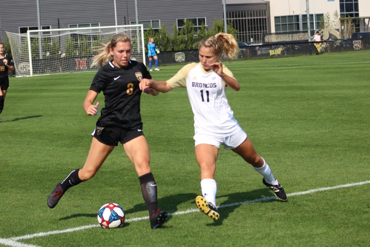 WMU cruise to victory over Oakland