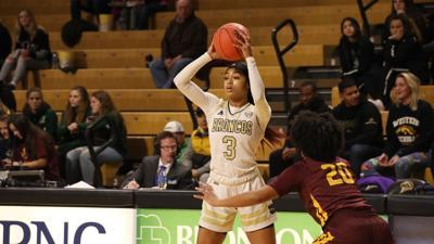 Women's basketball falls in season opener at Michigan