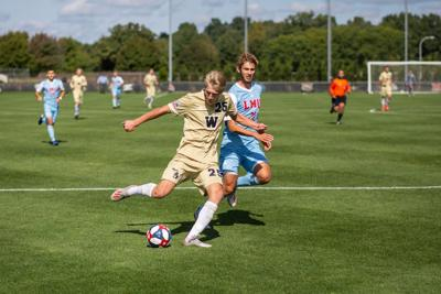Men's soccer continues to roll against Bowling Green