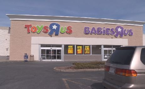 Local shoppers flock to Toys 'R' Us for liquidation sale