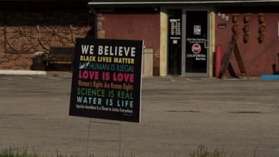 Mexican restaurant takes political stand with sign declaring 'No Love, No Tacos'