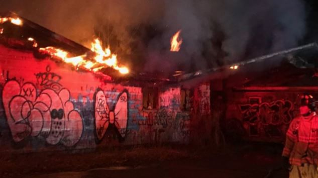 Crews on scene of working fire at abandoned building on Mt. Tom.