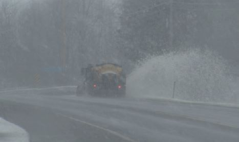 Wintry Nor'easter makes for slippery Friday morning commute