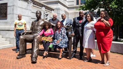 700-pound statue of George Floyd unveiled in New Jersey