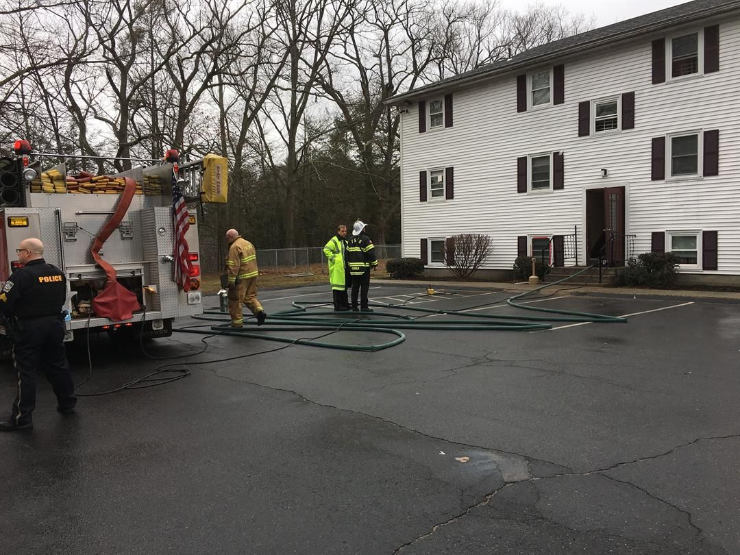 Crews respond to apartment fire in Three Rivers