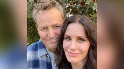 Courteney Cox and Matthew Perry show us they are still 'Friends'