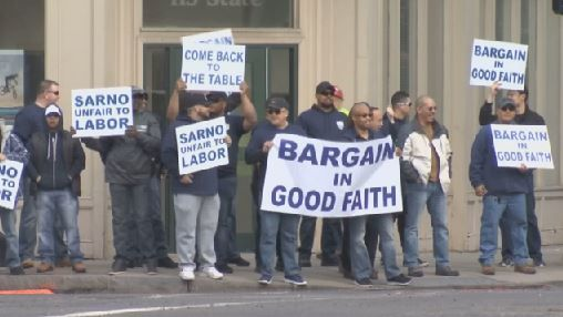 Springfield officers picket over stalled contract negotiations