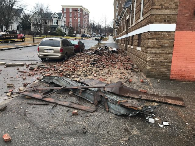 Holyoke building collapse daytime pic 021020
