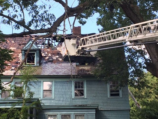 Vacant house fire on Mulberry St. in Springfield, firefighter injured