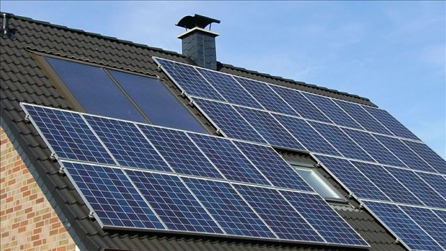 Experts explain how solar panels could cause a fire in your home