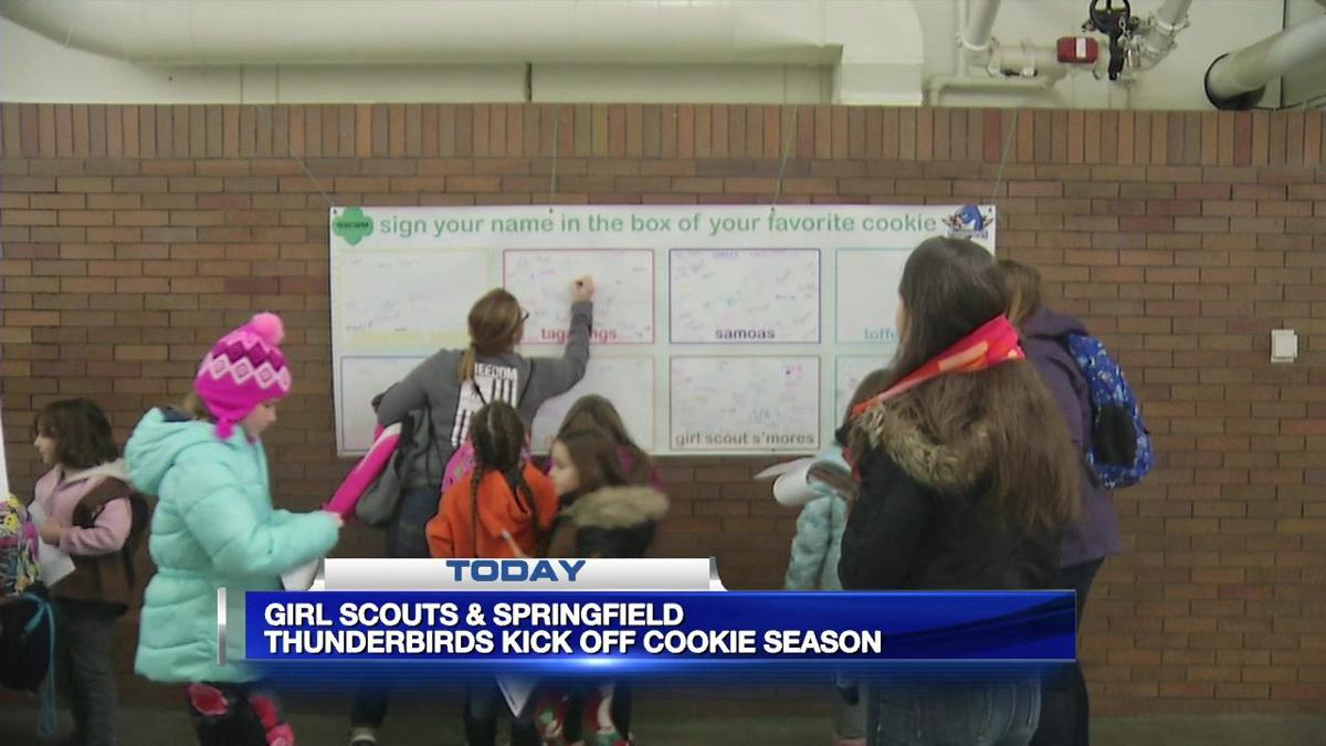 Girl Scouts kick-off cookie season with the help of the Thunderbirds