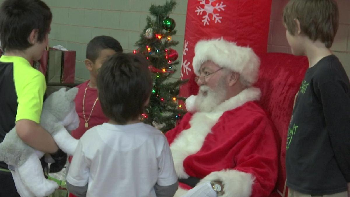 Forest Park C-3 unit holds community Christmas party