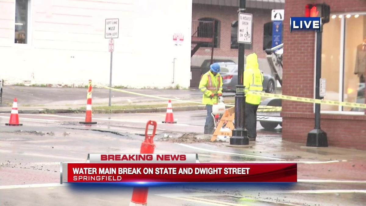 Crews working to repair Springfield water main break