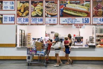 Costco's food courts have a cult following. Now they're making a comeback