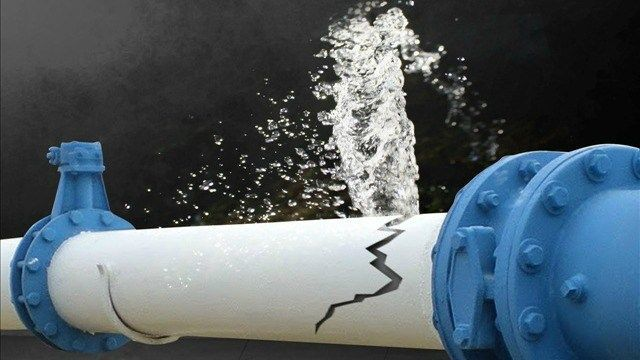 Multiple fire departments respond to Greenfield building for broken water line