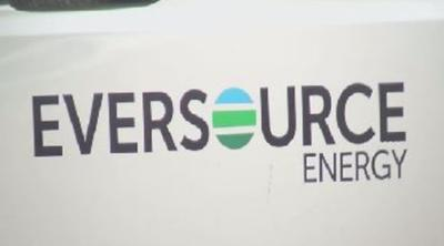 Eversource crews on standby ahead of weekend snow storm.