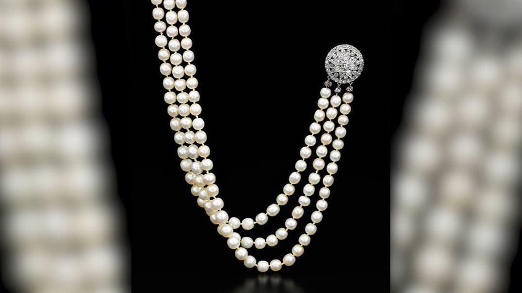 Marie Antoinette's prized jewels up for auction after 200 years in family's hands