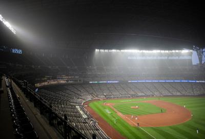 Wildfire smoke leaves Oakland A's pitcher gasping for air during Seattle Mariners game