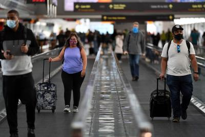 Despite Covid travel warnings, more than 1 million people passed through US airports Friday