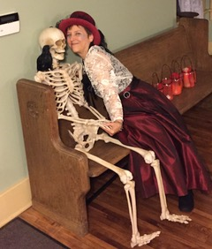 """Heritage Avon Lake's """"Theater of the Dead"""" returns to Folger Home"""