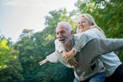 Happy seniors AdobeStock_178312681