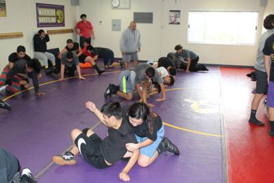 ohs wrestling 2.JPG