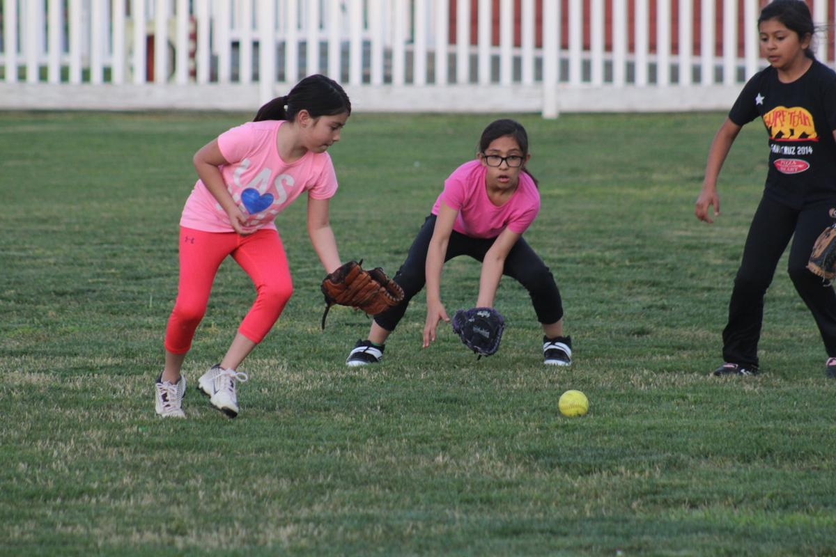 youth softball 2.JPG