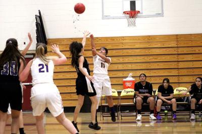 ohs girls jv basketball 2.JPG