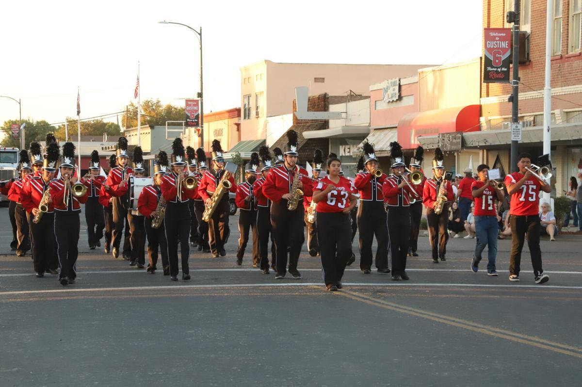ghs homecoming parade 12.JPG