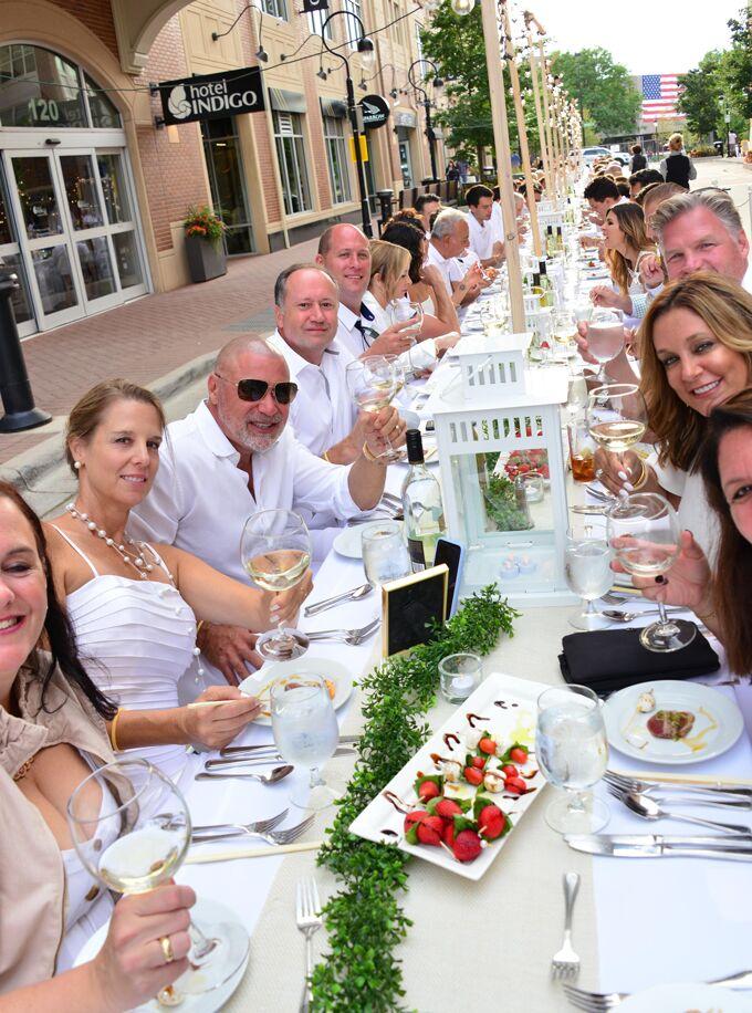 <b>Long Table Dinner</b>