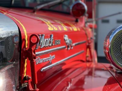 Santa's got a new ride: '59 fire trucks ready for parade duty