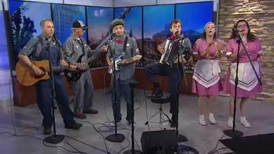 69News at Sunrise: the Pump Boys and the Dinettes