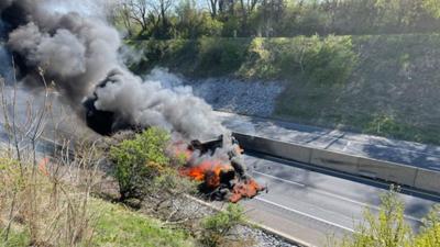 Truck fire on Pa. Turnpike