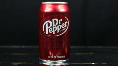 Dr Pepper soda can